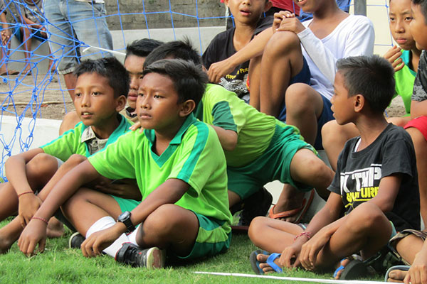 Desa Les Football Field: Lapangan Lila Kumara
